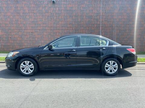 2009 Honda Accord for sale at G1 AUTO SALES II in Elizabeth NJ