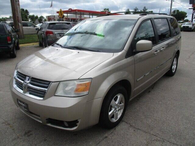 2009 Dodge Grand Caravan for sale at King's Kars in Marion IA