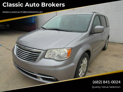 2013 Chrysler Town and Country for sale at Classic Auto Brokers in Haltom City TX