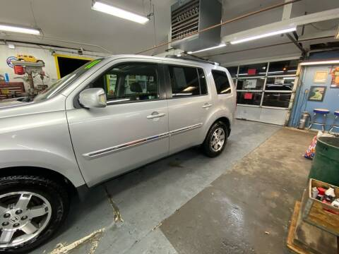 2011 Honda Pilot for sale at PELHAM USED CARS & AUTOMOTIVE CENTER in Bronx NY