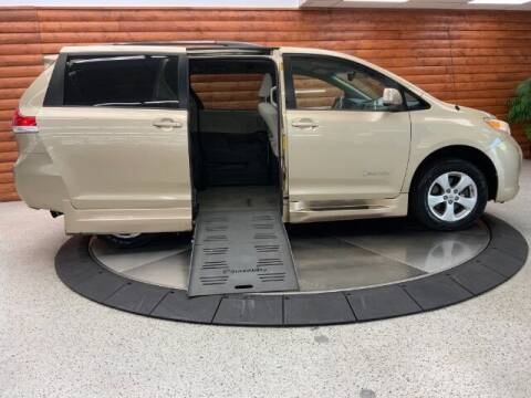 2013 Toyota Sienna for sale at Dixie Motors in Fairfield OH