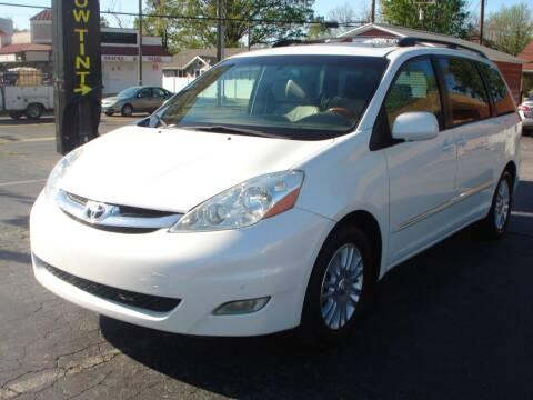 2009 Toyota Sienna for sale at Uniworld Auto Sales LLC. in Greensboro NC