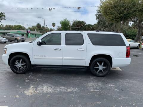 2008 Chevrolet Suburban for sale at BSS AUTO SALES INC in Eustis FL