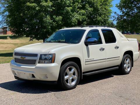 2012 Chevrolet Avalanche for sale at Tonka Auto & Truck in Mound MN