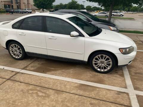 2006 Volvo S40 for sale at DFW AUTO FINANCING LLC in Dallas TX