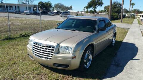 2006 Chrysler 300 for sale at GOLDEN GATE AUTOMOTIVE,LLC in Zephyrhills FL
