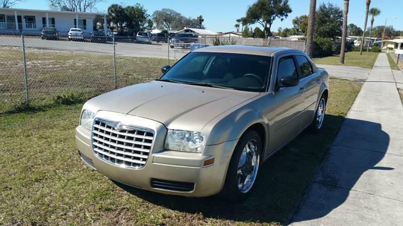 2006 Chrysler 300 for sale at GOLDEN GATE AUTOMOTIVE,LLC in Zephyrhills FL