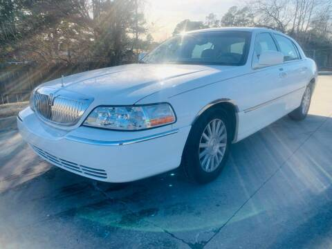 2004 Lincoln Town Car for sale at BRYANT AUTO SALES in Bryant AR