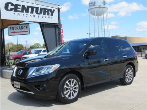 2013 Nissan Pathfinder for sale at CENTURY TRUCKS & VANS in Grand Prairie TX