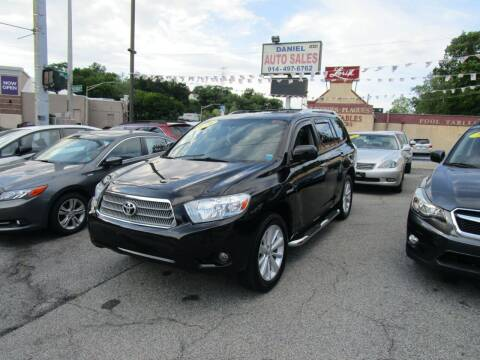 2008 Toyota Highlander Hybrid for sale at Daniel Auto Sales in Yonkers NY