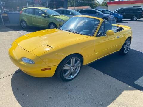 1992 Mazda MX-5 Miata for sale at Wise Investments Auto Sales in Sellersburg IN