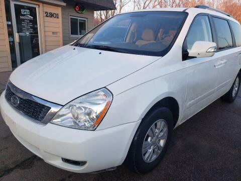 2012 Kia Sedona for sale at Gordon Auto Sales LLC in Sioux City IA