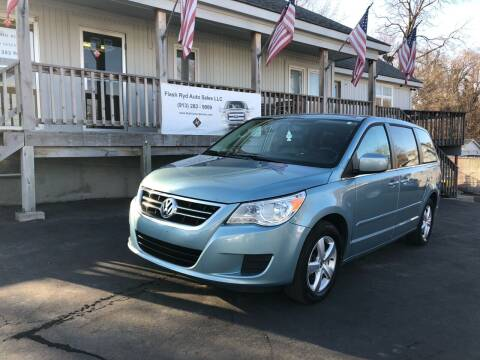 2009 Volkswagen Routan for sale at Flash Ryd Auto Sales in Kansas City KS