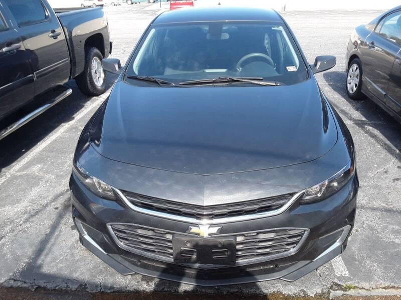 2017 Chevrolet Malibu for sale at Auto Villa in Danville VA