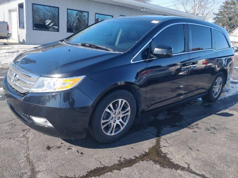 2011 Honda Odyssey for sale at The Car Cove, LLC in Muncie IN