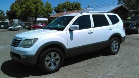2009 Kia Borrego for sale at Larry's Auto Sales Inc. in Fresno CA