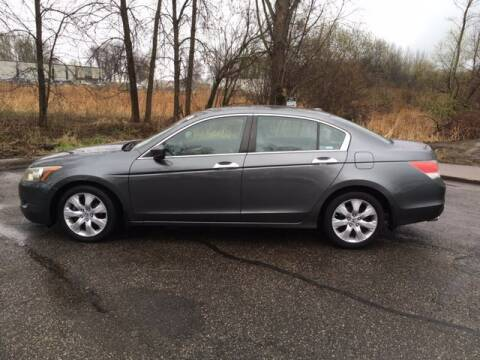 2009 Honda Accord for sale at AM Auto Sales in Forest Lake MN