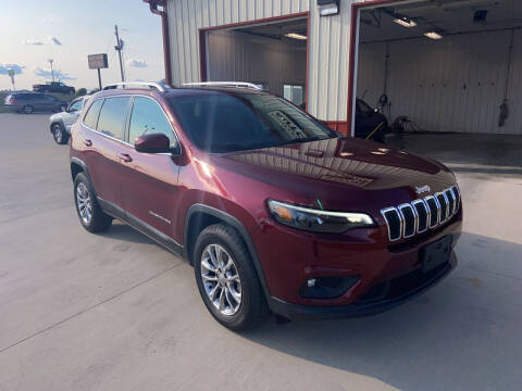 2019 Jeep Cherokee for sale at SCOTT LEMAN AUTOS in Goodfield IL