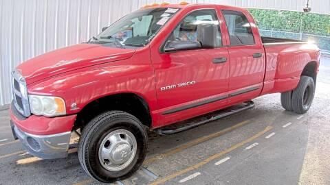 2003 Dodge Ram Pickup 3500 for sale at HERMANOS SANCHEZ AUTO SALES LLC in Dallas TX