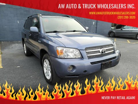 2006 Toyota Highlander Hybrid for sale at AW Auto & Truck Wholesalers  Inc. in Hasbrouck Heights NJ
