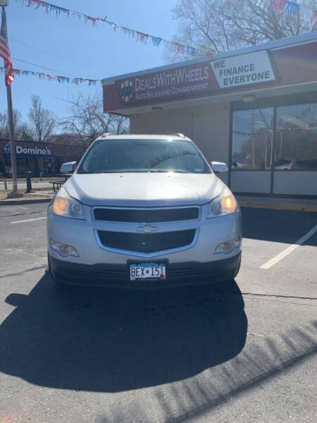 2009 Chevrolet Traverse for sale at Dealswithwheels in Inver Grove Heights MN