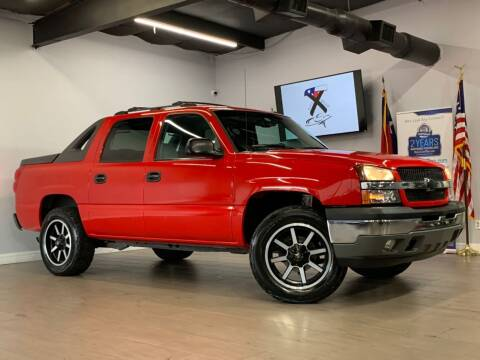 2005 Chevrolet Avalanche for sale at TX Auto Group in Houston TX