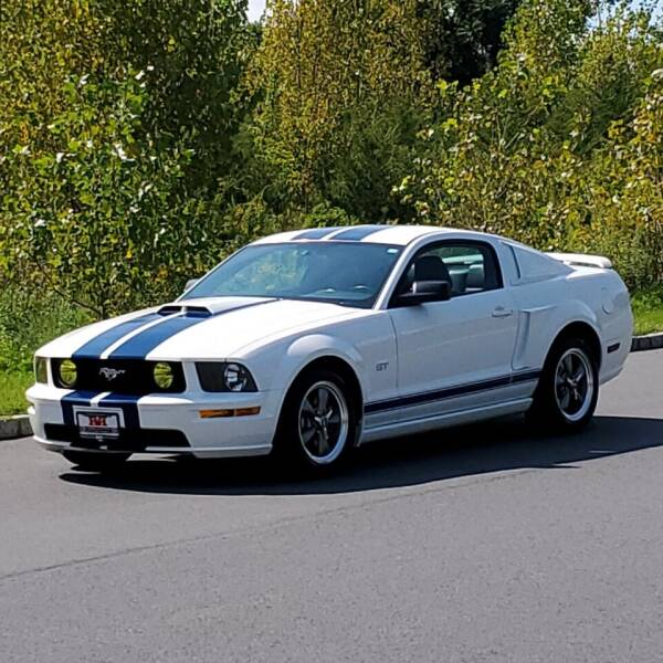 2005 Ford Mustang for sale at R & R AUTO SALES in Poughkeepsie NY