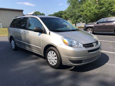 2005 Toyota Sienna for sale at Happy Days Auto Sales in Piedmont SC