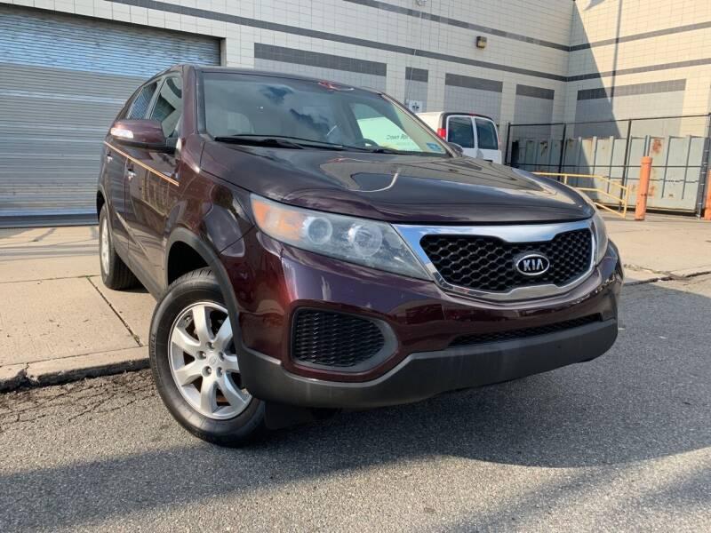 2011 Kia Sorento for sale at Illinois Auto Sales in Paterson NJ