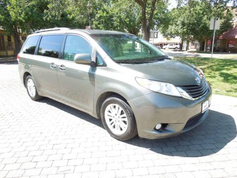 2012 Toyota Sienna for sale at Family Truck and Auto.com in Oakdale CA