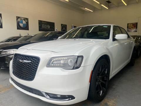 2019 Chrysler 300 for sale at GCR MOTORSPORTS in Hollywood FL