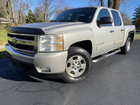 2008 Chevrolet Silverado 1500 for sale at Bloomington Auto Sales in Bloomington IL