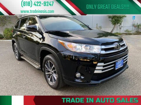 2017 Toyota Highlander for sale at Trade In Auto Sales in Van Nuys CA