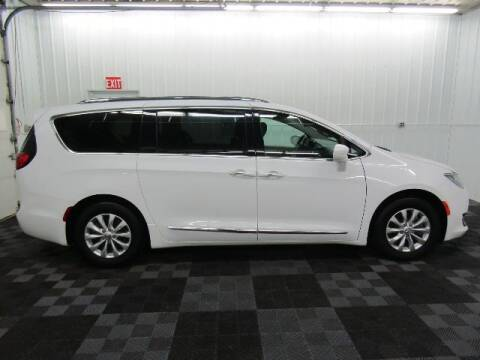 2018 Chrysler Pacifica for sale at Michigan Credit Kings in South Haven MI