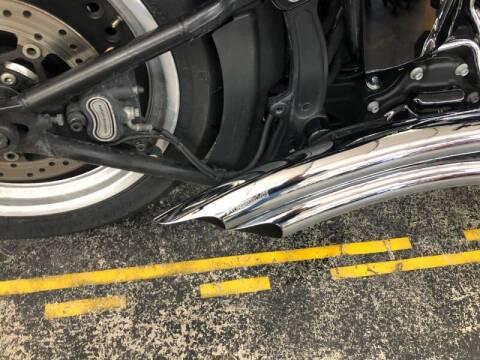 2017 Harley-Davidson FLSTFBS