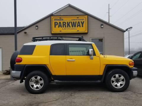 2007 Toyota FJ Cruiser for sale at Parkway Motors in Springfield IL