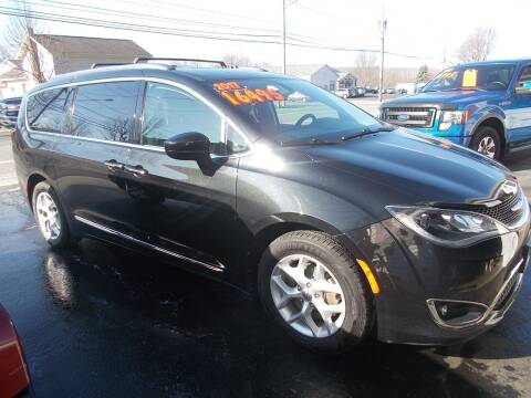 2017 Chrysler Pacifica for sale at Dansville Radiator in Dansville NY