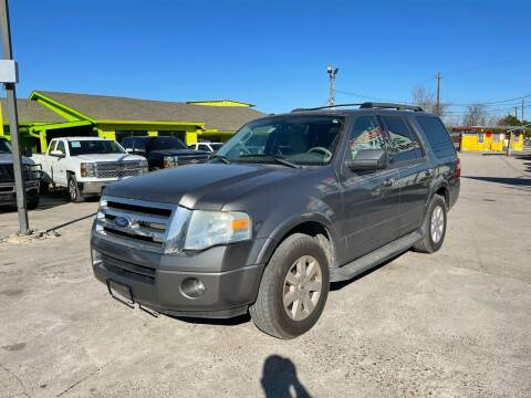 2010 Ford Expedition for sale at RODRIGUEZ MOTORS CO. in Houston TX