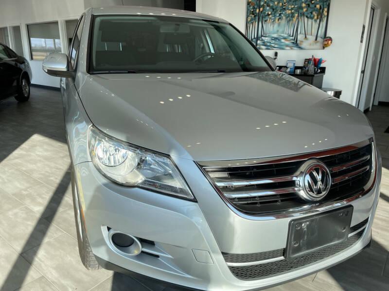 2011 Volkswagen Tiguan for sale at Evolution Autos in Whiteland IN