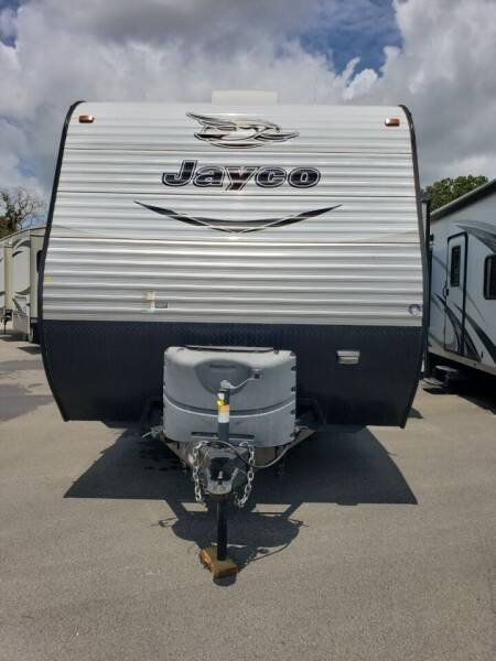 2017 Jayco Jayco 32BHDS for sale at Ultimate RV in White Settlement TX