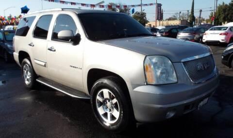 2007 GMC Yukon for sale at 559 Motors in Fresno CA