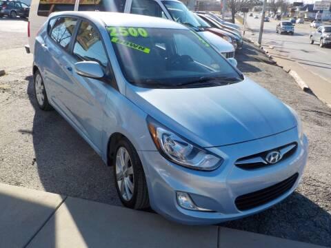 2013 Hyundai Accent for sale at SEBASTIAN AUTO SALES INC. in Terre Haute IN
