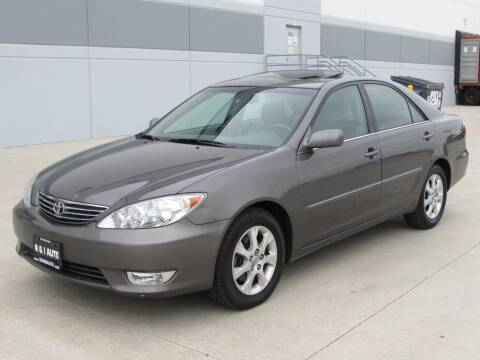 2005 Toyota Camry for sale at R & I Auto in Lake Bluff IL