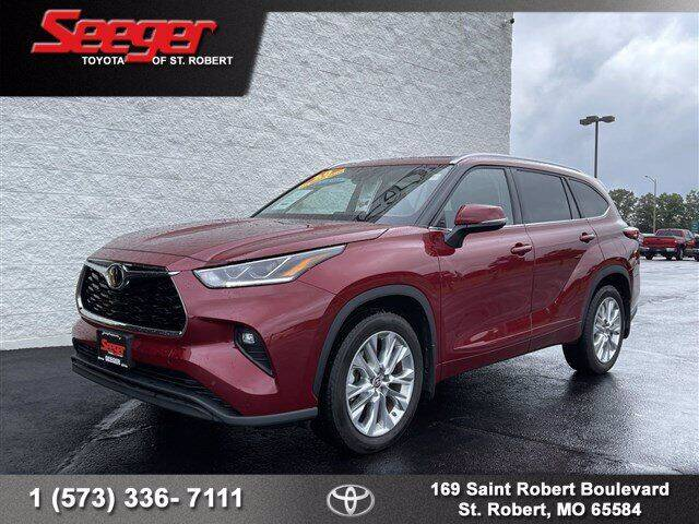 2020 Toyota Highlander for sale at SEEGER TOYOTA OF ST ROBERT in Saint Robert MO