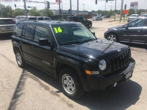 2016 Jeep Patriot for sale at ROUTE 6 AUTOMAX in Markham IL