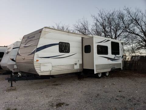 2012 Crossroads zinger zt-320-QB for sale at Ultimate RV in White Settlement TX