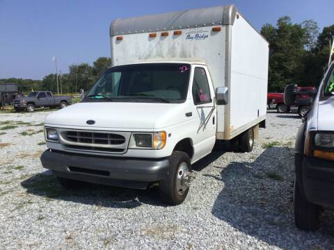 2002 Ford E-Series Chassis for sale at K & E Auto Sales in Ardmore AL