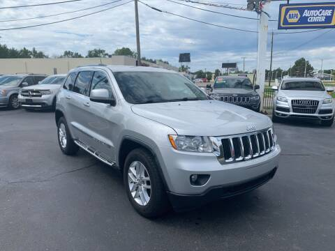 2011 Jeep Grand Cherokee for sale at Summit Palace Auto in Waterford MI