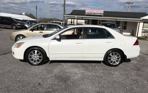 2006 Honda Accord for sale at TAVERN MOTORS in Laurens SC