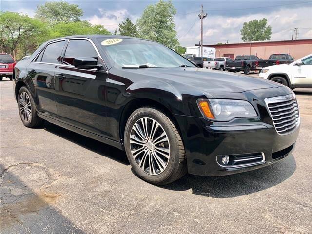 2014 Chrysler 300 for sale at Richardson Sales & Service in Highland IN